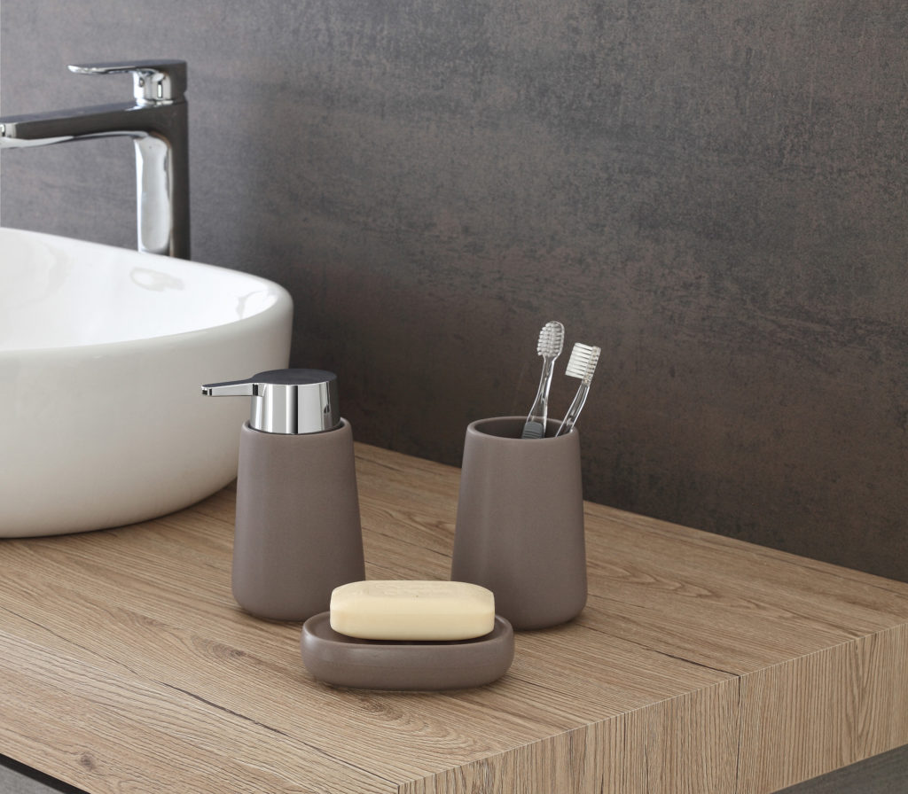set accessori in ceramica
